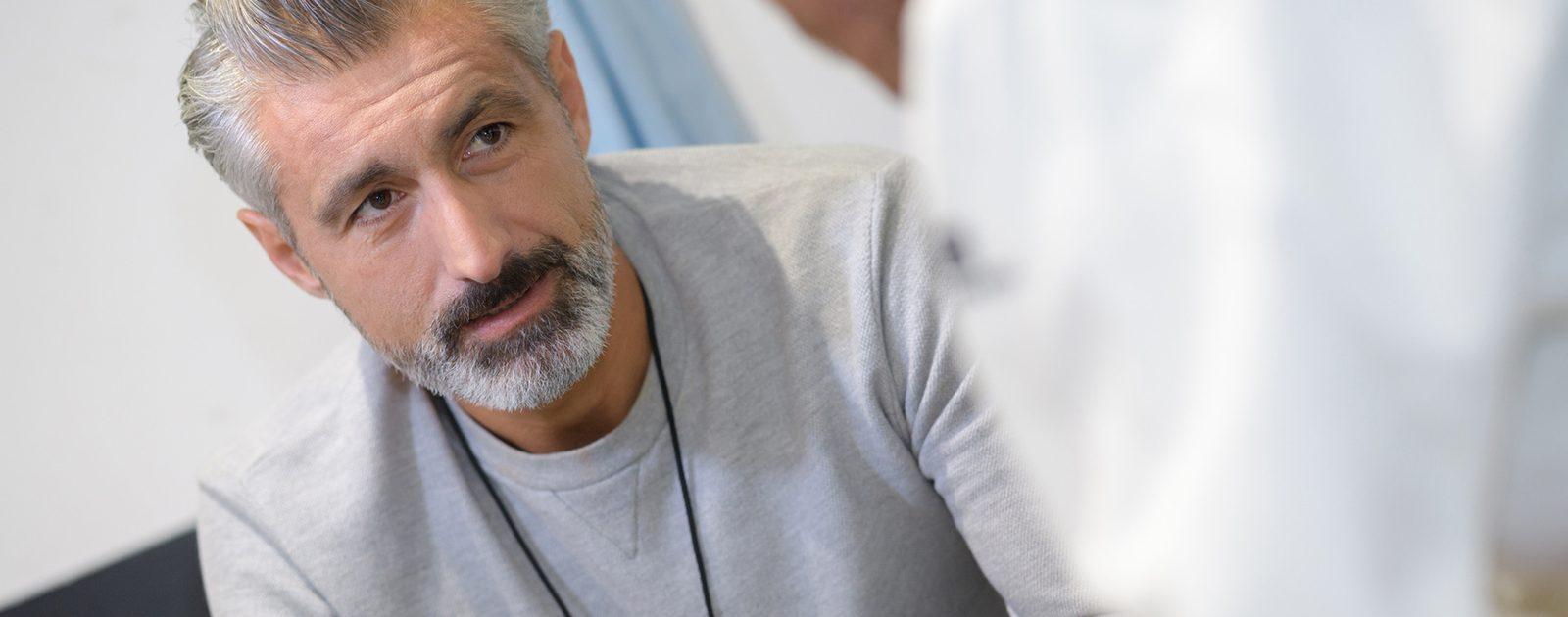 Liegt ein akuter Harnverhalt vor, sollte umgehend ein Urologe aufgesucht werden