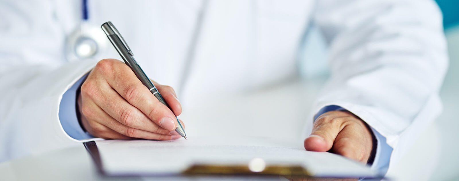Ein Urologe oder Androloge bei der Arbeit