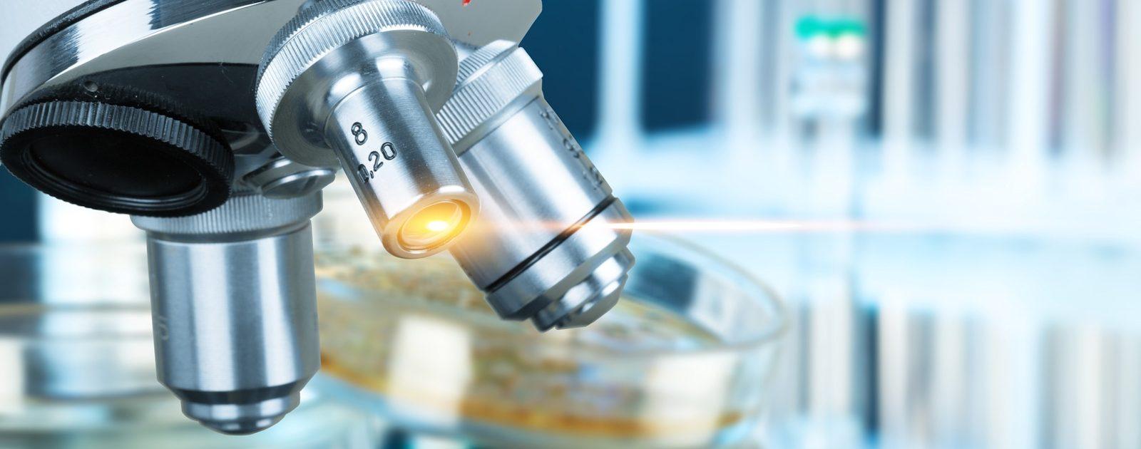 Ein Abstrich der Harnröhre zeigt unter dem Mikroskop, welche Erreger Probleme verursachen